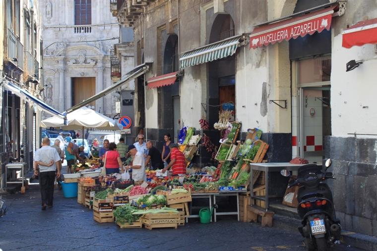 Straßenszene Sizilien